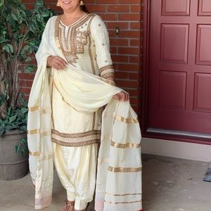 Three piece Punjabi salwar suit size med